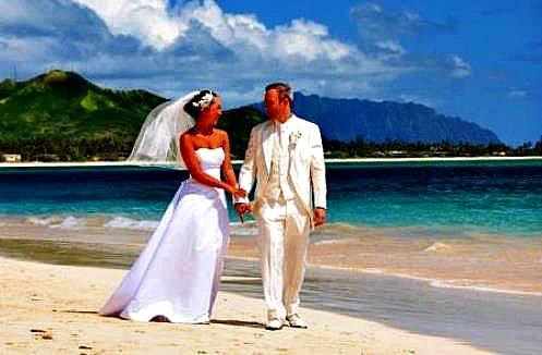 Oahu Waikiki Beach Side Wedding